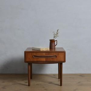 G-Plan Bedside Table / ジープラン ベッドサイド テーブル〈ナイトテーブル・Fresco・花台・ミッドセンチュリー・北欧〉112174