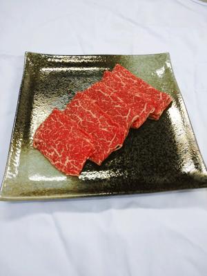 ランプ(黒毛和牛A4・A5)100gすき焼き用スライス【すき焼き用に薄くスライスしてご提供いたします。希少な黒毛和牛メスウシのランプをご堪能ください】