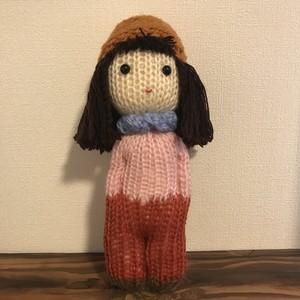 毛糸で作ったお人形
