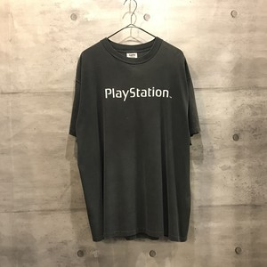 "90s vintage ""Play Station"" print T-shirt"