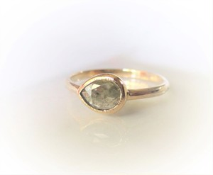 ナチュラルダイヤモンドのK14の指輪(ベージュ)