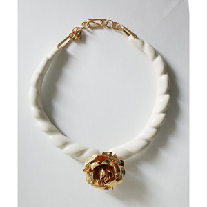 Beatriz white necklace