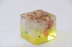 オルゴナイト 正四面体 size(5x5x5)