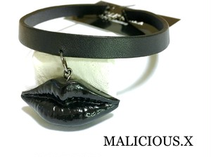lip choker / black