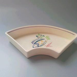 POOLE プールポタリーの扇形のお皿 お魚(ひらき?)
