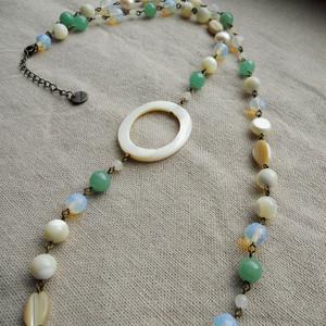 アベンチュリンと天然石のネックレス