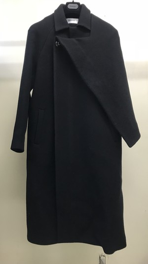 CHALAYAN 1/2 CAPE COAT BLACK
