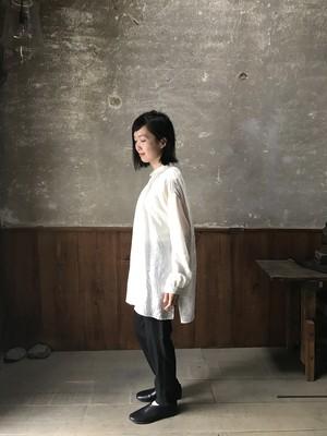 Kaval Silk Wide gather blouse   | Natural ・Dark Navy