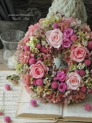 バラと紫陽花と千日紅のリース/直径20cm/プリザーブドフラワーリース/リース/結婚祝い/バースデーギフト/出産祝い/両親贈呈花/メッセージカード無料/ギフト包装【お届け日指定可能】