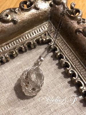 【原石】ブラックダイヤモンドのワイヤーラッピングのペンダント