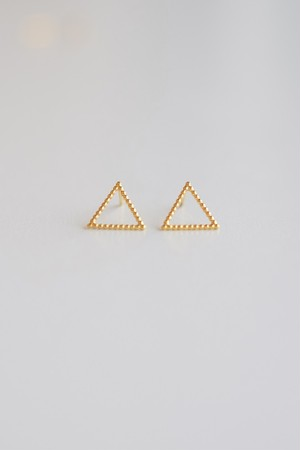 yoriko mitsuhashi  三角形のピアス