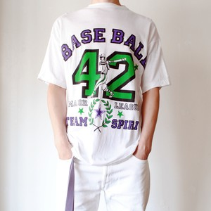 Vintage BASE BALL T-Shirt made in UAE