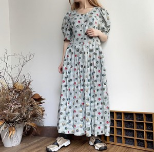 button pattern tyrol dress