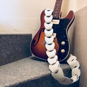 folklore / White【ウロコのようなギターストラップ 】