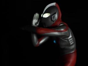 CCPミドルサイズシリーズ第26,27話「怪獣殿下」登場ウルトラマン 発光ギミック付き