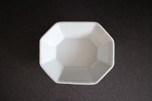 土井善男|乳白釉八角板皿