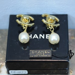 .CHANEL 96 P COCO MARC TURN LOCK SWING PEARL EAR CLIPS MADE IN FRANCE/シャネルココマークターンロックパールぶらさがりイヤリング 2000000029696