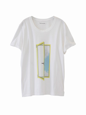 Graphic T-shirt  / Door Print / S15TS01