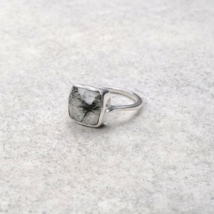 SINGLE STONE NON-ADJUSTABLE RING 086