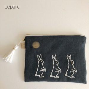 大人の刺繍リネンポーチ【moon rabbit】