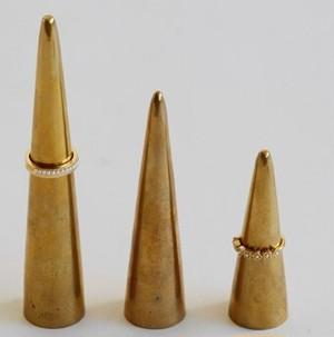 真鍮リングスタンド BRASS素材 円錐リングスタンド3サイズ各1個入り SI-308962