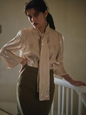 shimmer bowtie blouse(beige)