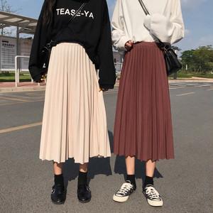 ハイウエストのプリーツロングスカート