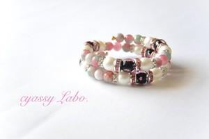 夜桜ピンクとんぼ玉とチェコガラスパールのワイヤーブレス☆