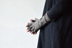 メリノウール100%アームウォーマー / NISHIGUCHI KUTSUSHITA