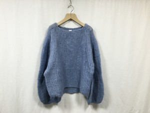 "HAKUJI "" Voluinous alpaca knit PO "" Light blue"