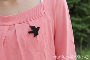 漆塗りのアニマルブローチ【鳥】/Animal Pin Brooch in URUSHI (BIRD)