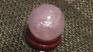 《再販しました!》ブラジル産 紅水晶丸玉★愛の象徴石★ローズクォーツ30㎜ 台座付