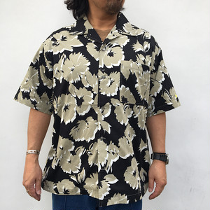 Modern Amusement 開襟半袖フラワープリントシャツ BLACK
