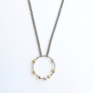 コントラバス弦とアンティークビーズのペンダント Contra Bass strings with antique beads pendant