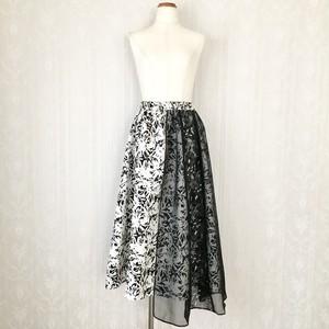 モノトーン花模様×シースルーロングスカート