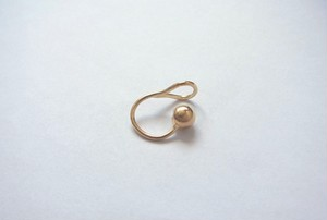 GOLD BALL EARCUFF
