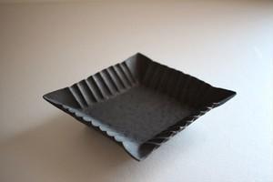 額賀円也|鉄釉 菱形小鉢