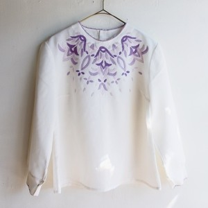 purple gradation embroidery blouse