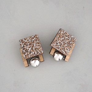 pierced earrings C-P33/earrings C-E33<silver>