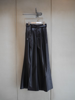HYKE / CHINTZ FINISH WIDE PANTS  (BLACK)