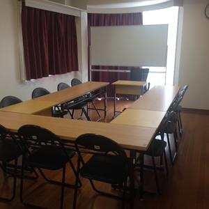 会議室A 4時間 (1名~12名迄入れる明るい部屋です)