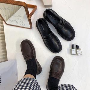 2wayラウンドトゥローファー かかと踏める 革靴 ラウンドトゥ ローヒール 合皮 革 黒 ブラック 茶 ブラウン フォーマルスタイル 通勤 通学 学生 韓国