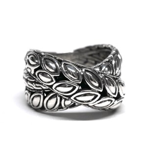 "Vintage ""JOHN HARDY"" Sterling Silver Ring"