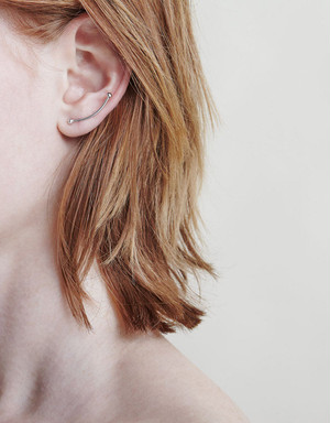 【ONLINE STORE限定SALE!】 ANOTHER FEATHER / TILT EARRINGS