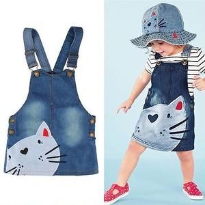 ベビー&キッズ 猫ちゃんプリントのデニムオーバーオールスカート S057