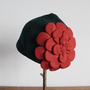 どんぐりベレー/緑にレンガのお花