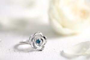 Blue Rose K18 ホワイトゴールド トパーズ ダイヤモンド リング