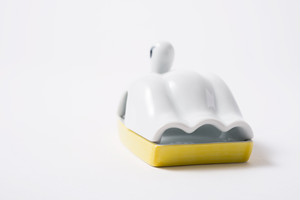 スワンボート トレイ イエロー / The Porcelains