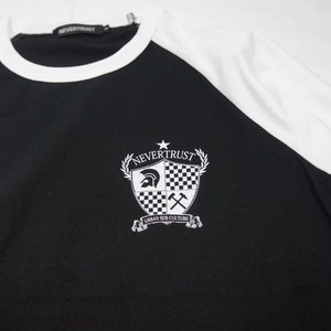 Emblem Raglan Sleeve T  Black × White