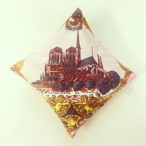 PARIS ミニクッション (ノートルダム寺院)